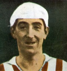 Rafael Moreno Aranzadi, 'Pichichi', jugador de fútbol del Athletic Club de Bilbao, internacional con la selección española, sobrino de Miguel de Unamuno, primer jugador en marcar un gol en el estadio de San Mamés, muerto a los 29 años