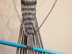 Learn how to make a World War II US Navy Hammock and Clew. Indoor Hammock Chair, Diy Hammock, Hanging Chair, Home Crafts, Arts And Crafts, Baby Swings, Macrame Projects, Micro Macrame, Us Navy