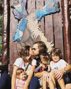 Jared & Gen Padalecki with children Tom, Shep, and Odette Jared Padalecki Supernatural, Jensen Ackles Jared Padalecki, Supernatural Fans, Supernatural Seasons, Supernatural Background, Supernatural Bunker, Happy Mother S Day, Happy Mothers, Misha Collins