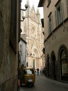 The Duomo in Orvietto - Italy.
