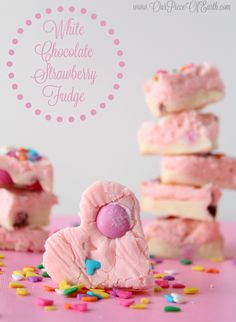 This White Chocolate Strawberry Fudge recipe is as delicious as it is adorable. White chocolate is the perfect compliment to the strawberry in this fudge. Homemade Valentines, Valentines Day Treats, Holiday Treats, Strawberry Fudge Recipe, Strawberry Frosting, Brownies, White Chocolate Strawberries, Fudge Recipes, Dessert Recipes