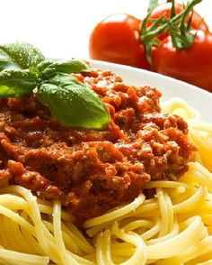 Low FODMAP\Healthy Spaghetti Bolognese - Gluten Free http://www.ibssano.com/low_fodmap_recipe_spaghetti_bolognese.html
