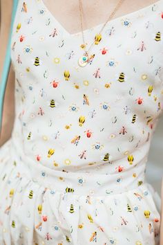 Vestido de verano, estampado de bichos, cute dress, girl, summer, outfit www.PiensaenChic.com