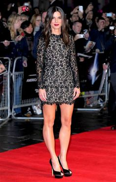 "Sandra Bullock arrives at the ""Gravity"" film premiere during the 57th BFI London Film Festival in Britain on Oct. 10, 2013."