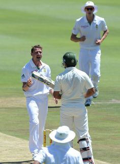 Dale Steyn (SA) take 6 for 8, in 1st inng vs Pakistan, 1st Test, Johannesburg, 2nd day, Feb 2, 2013