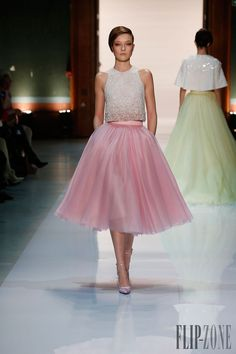 Georges Hobeika - Alta-Costura - Primavera-Verão 2014 - http://pt.flip-zone.com/fashion/couture-1/fashion-houses/georges-hobeika-4444