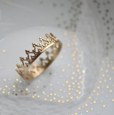 Gorgeous crown ring & other royal-inspired items!