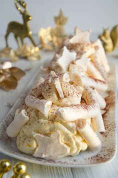 Bûche citron fraicheur facile à faire, gourmande et acidulée Cordon Bleu, Dessert, Camembert Cheese, Dairy, Lemon Syrup, Moist Cakes, Home Made, Greedy People, Deserts