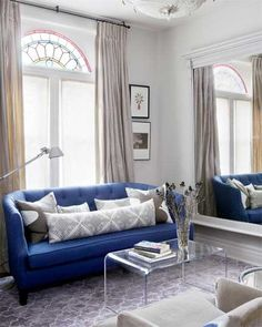 Top 10 Tips How to decorate a small living room on a budget