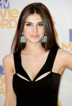 Bollywood Hairstyles, Bollywood Outfits, Bollywood Actress Hot Photos, Indian Bollywood Actress, Bollywood Girls, Beautiful Bollywood Actress, Bollywood Celebrities, Beautiful Actresses, Indian Actresses