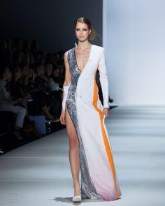 Yousef Akbar Spring / Summer 2015 Mercedes Benz Fashion Week Australia #Fashion #Fashionweek #summer #drape #architectural
