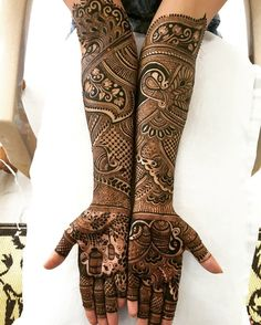 The Royal Desi Bride These henna or Pakistani mehndi designs are perfect for all the 'shashi' out there. All the brides waiting t.