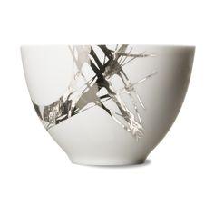 Inspiration Kintsugi : bone china bowl {design by rikke jakobsen} China Bowl, Bone China, Organic Ceramics, Clay Bowl, Bowl Designs, Japanese Ceramics, Kintsugi, Ceramic Design, Mark Making