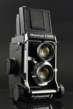 Mamiya C220 Professional f - My college medium format