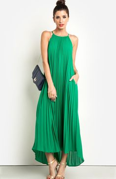 Escape the smoggy city and enjoy the desert oasis in this palm-pleated maxi in a lush green hue. Keep your accessories light by only adding a few bracelets and rings, and finish with metallic heels and a navy croc clutch. Dress Skirt, Dress Up, Mein Style, Pleated Maxi, Maxi Skirts, Classy Dress, Classy Chic, Maternity Dresses, Summer Maternity