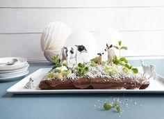 Bondegårdskake Happy Birthday, Table Decorations, Baking, Home Decor, Cakes, Happy Brithday, Decoration Home, Room Decor, Cake Makers