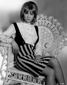 Julie Christie, Britains darling of the sixties, Oscar winning actress, stage actress and style icon. I have always admired her, I remembe. Julie Christie, Divas, 14 Avril, Katharine Ross, Jacqueline Bisset, Dr Zhivago, Mod Girl, Charlotte Rampling, Classic Movie Stars