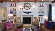 Nautische Deko Ideen steuerrad kaminsims sessel traditionell wohnzimmer
