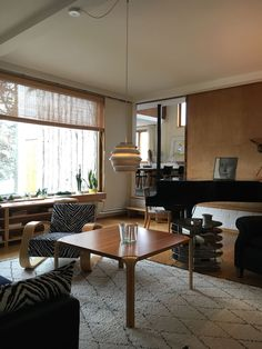 Gloria – Blogit | Pieni talo Helsingissä Dining Table, Furniture, Home Decor, Decoration Home, Room Decor, Dinner Table, Home Furnishings, Dining Room Table, Home Interior Design