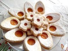 Veľkonočné linecké pečivo - vajíčka a kvietky, Drobné pečivo, recept | Naničmama.sk Cupcake, Cookies, Food, Spring, Recipes, Author, Crack Crackers, Cupcakes, Biscuits