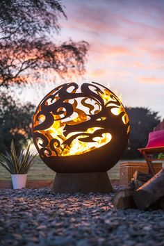 Shabby chic fire pit globe in various designs. Fire Pit Grill, Diy Fire Pit, Fire Pits, Garden Fire Pit, Fire Pit Backyard, Fire Pit Globe, Dragon Fire Pit, Fire Pit Construction, Giraffe Images