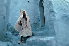 Captured in action just at the right moment, these vibrant color photographs of Morocco in the 1980s as you has never been seen before.