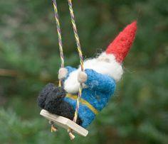 Dell'ago infeltrito Gnome ornamento su di scratchcraft su Etsy