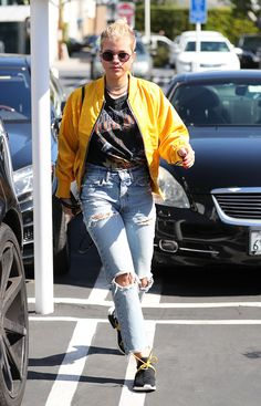 Yellow is huge this spring, and celebrities definitely agree. Here's how Kendall Jenner, Alexa Chung, and more are wearing the trend.