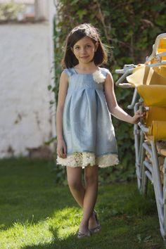 Uno de los modelos de nuestra nueva colección de vestidos de ceremonia para niña http://www.xn--sueosdecarlota-snb.com/coleccion-un-dia-especial.php #entretodospodemos