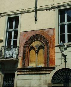 Finestra gotica via Tasso Torino