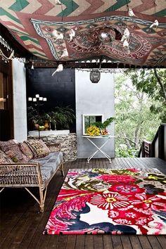 Bohemian Porch Decoration – 19 Inspirational Ideas # Bohemian Patio … - Home Decor Ideas! Bohemian Porch, Bohemian Interior, Bohemian Decor, Porches, Banister Remodel, Interior Exterior, Interior Design, Fabric Ceiling, Ceiling Tapestry