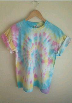 Tie Dye T-Shirt Candy Spiral by JessicaIrwinClothi tye dye shirts Tie Die Shirts, Diy Tie Dye Shirts, Diy Shirt, Dye T Shirt, Diy Tank, Band Shirts, Shirt Dress, Tye Dye, Camisa Tie Dye