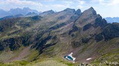 Esplorazione fuori sentiero nel selvaggio Lagorai: Cima Valbona 2584, Cima Valon 2678, Cima Cece 2754. Percorso lungo e impegnativo per escursionisti esperti e allenati, tra trincee, fortificazioni e camminamenti della Grande Guerra ● http://girovagandoinmontagna.com/gim/lagorai-cima-d'asta-rava/(lagorai)-esplorazione-cima-2584-e-cima-valon-2678-finale-su-cima-cece-2754/msg104870/#msg104870
