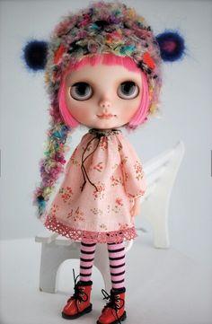 Blythe Dolls. she's so cute!!! pink