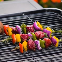 Grill away with these clever grilling hacks! - Informationen zu Grill away with these clever grilling hacks! Grilling Tips, Grilling Recipes, Cooking Recipes, Healthy Recipes, Cooking Games, Recipes For Beginners, Pampered Chef, Baking Tips, Food Hacks