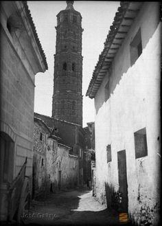 Muniesa (Teruel). Iglesia parroquial. Torre mudéjar octogonal.. José Galiay Sarañana 1905-1952