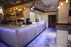 Ideas de #Cafeteria, Bar, Restaurante, estilo #Contemporaneo color  #Ocre,  #Marron,  #Gris, diseñado por AIMA Estudio  #CajonDeIdeas