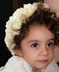 Купить или заказать Детский ободок «Афелия» в интернет магазине на Ярмарке Мастеров. С доставкой по России и СНГ. Материалы: искусственные цветы, имитация жемчуга,…. Размер: 10см.зависит от вашего заказа можно…
