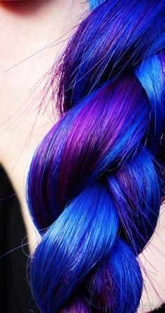 Fioletowo-niebieskie włosy zdjęcie
