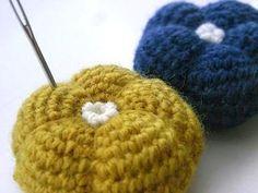 ぽってりお花のピンクッションの作り方|編み物|編み物・手芸・ソーイング|作品カテゴリ|アトリエ