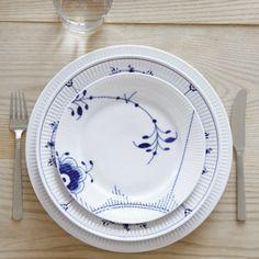 Dinner knife and dinner fork. Blue Fluted Mega, Blue Fluted Plain and White Fluted from Royal Copenhagen. Danish D (Mix Match Dinnerware)