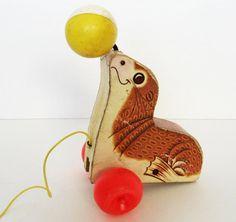 1978 Suzie Seal pull toy!!! This looks familiar...