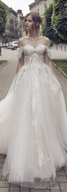 Wedding Gown Noya by Riki Dalal Bridal 2018 Shakespeare Collection Lace Wedding Dress, Sweetheart Wedding Dress, Best Wedding Dresses, Wedding Styles, Wedding Gowns, Ballgown Wedding Dress, Wedding Ideas, Trendy Wedding, Wedding Dress 2018