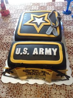 centerpieces for military retirement party - Google Search Army Cake, Military Cake, Military Party, Army Party, Military Retirement Parties, Retirement Cakes, Retirement Ideas, Retirement Countdown, Retirement Funny