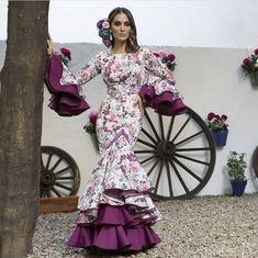 Spanish style – Mediterranean Home Decor African Wear, African Dress, Ethnic Fashion, African Fashion, Frill Dress, Dress Up, Gypsy Women, African Design, Dress To Impress