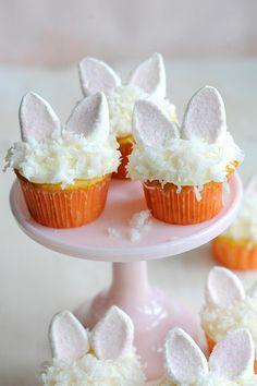 10 magnifiques gâteaux de Pâques que vous pourrez reproduire grâce aux minis tutoriels photos! Vous avez un certain talent en décoration pâtissière, ce qu'il vous manque, c'est d'un peu d'imagination? Ceci vous inspirera! Sait-on jamais! Peut-être au