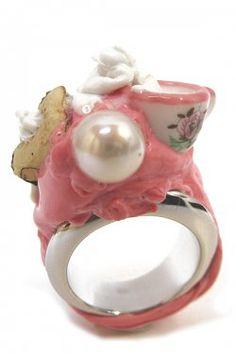 Anello in argento con tazzina e biscotto e perla Blob Ring. Barbara Uderzo