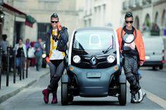 В Европе Renault Twizy теперь можно водить с 14 лет - http://amsrus.ru/2015/03/26/v-evrope-renault-twizy-teper-mozhno-vodit-s-14-let/