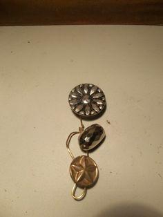 Flower design antique button brooch | HiddenHummingbirdDesigns - Jewelry on ArtFire