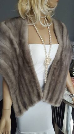 Silver Sapphire Mink Stole , Luxury Vintage Fur Vintage Fox, Vintage Bridal, Vintage Glamour, Winter Wedding Fur, Fall Wedding, Rustic Wedding, Mink Stole, Bridal Bolero, Fur Fashion